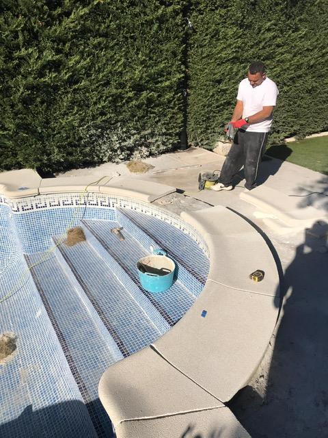 Coronamiento de piscina